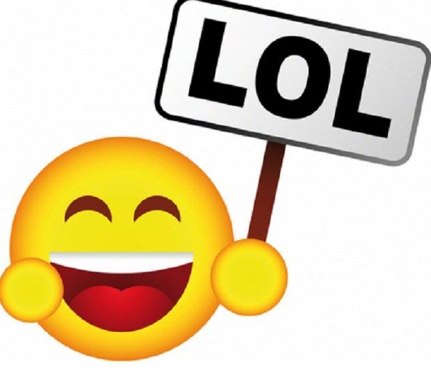 Risultati immagini per emoticon ahah