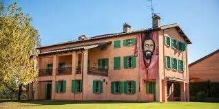 Pavarotti.jpg.f6a5adc9a9eb217477ae806aacf65a26.jpg