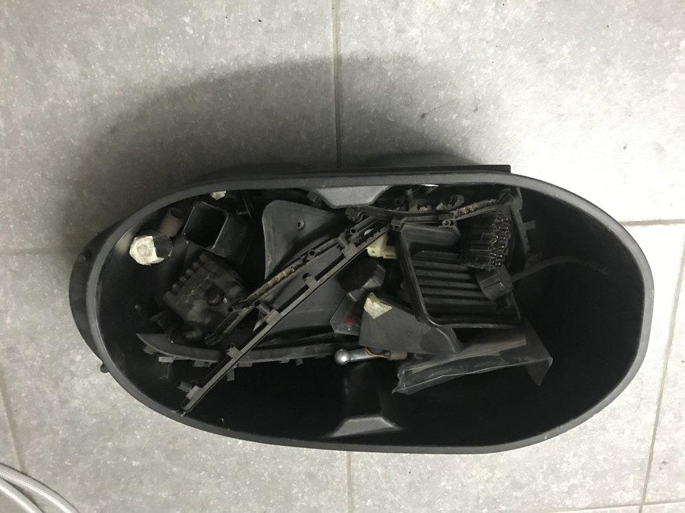 Ricambi plastici Vespa GTS 125.JPG